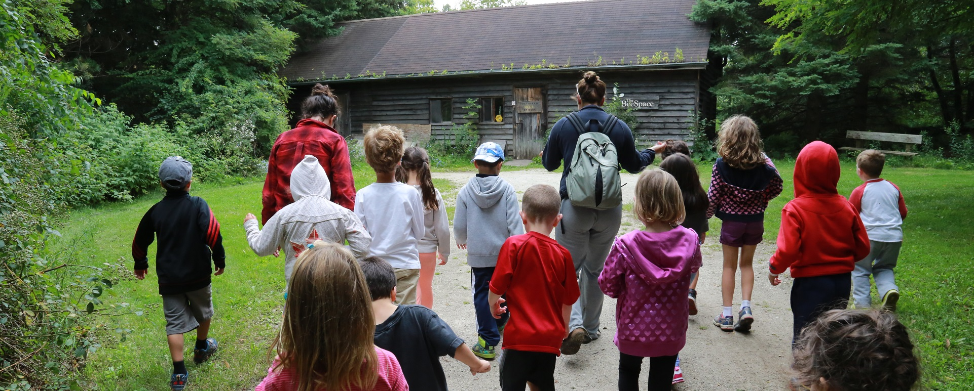 kids visit Kortright Centre Bee Space