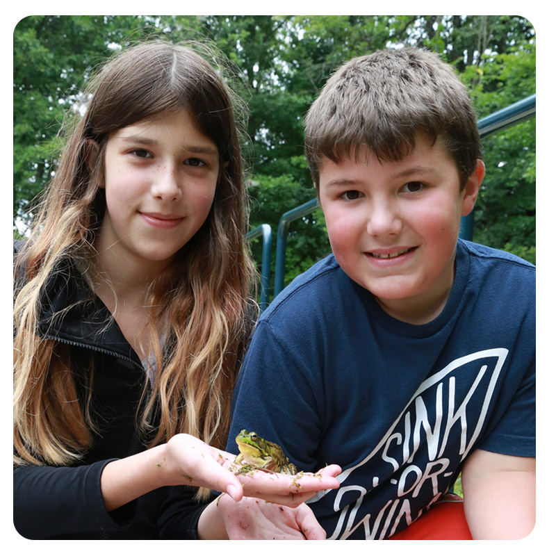 children at Kortright Centre summer day camp
